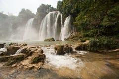 De waterval van Gioc van het verbod in Vietnam Stock Afbeelding