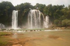 De waterval van Gioc van het verbod in Vietnam Royalty-vrije Stock Afbeeldingen