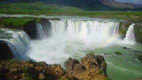 De waterval van Godafoss in IJsland stock footage