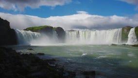 De waterval van Godafoss in IJsland stock videobeelden