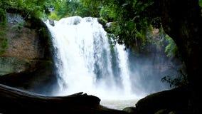 De Waterval van Haewsuwat in Thailand stock videobeelden