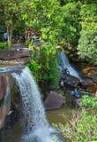 De waterval van Kbalchhay in Khan Prey Nup over 16 kilometers het noorden wordt gevestigd van Sihanoukville die van de binnenstad stock foto