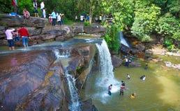 De waterval van Kbalchhay in Khan Prey Nup over 16 kilometers het noorden wordt gevestigd van Sihanoukville die van de binnenstad royalty-vrije stock afbeeldingen