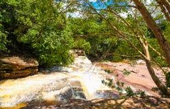 De waterval van Kbalchhay wordt gevestigd in Khan Prey Nup in Sihanoukville stock afbeeldingen