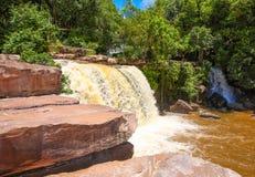 De waterval van Kbalchhay wordt gevestigd in Khan Prey Nup in Sihanoukville royalty-vrije stock afbeeldingen