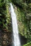 De Waterval van Lembahanai Stock Afbeeldingen