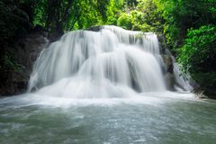 De Waterval van Mae Khamin van Huai stock foto's