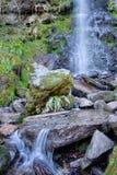 De waterval van Mallyanspuiten in Goathland in Noord-York legt vast royalty-vrije stock foto