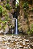De waterval van Saltocabritos, Sao Miguel, de Azoren Stock Fotografie