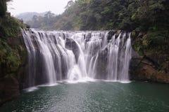 De waterval van Shifen Stock Afbeeldingen