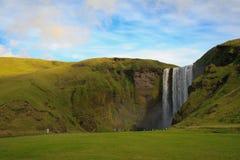 De waterval van Skogarfoss in IJsland Stock Foto