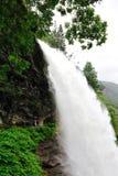 De Waterval van Steindalsfossen Stock Afbeelding
