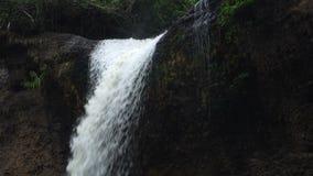 De Waterval van Suwat van Haew stock video