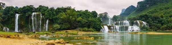 De Waterval van verbodsgioc in Cao Bang, Vietnam Stock Afbeelding