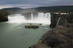 De watervallen van Godafoss in IJsland Stock Foto