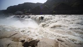 De watervallen van Hukou stock videobeelden