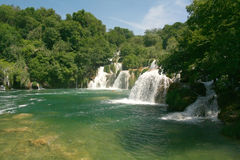 De watervallen van Krka (Kroatië) stock afbeelding