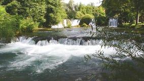 De Watervallen van Slunj stock videobeelden