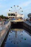 De waterwegen van Liverpool en de moderne architectuurbouw Stock Foto's