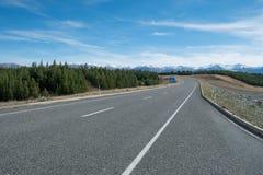 De weg aan Aoraki zet Cook, Zuideneiland, Nieuw Zeeland op Stock Foto's