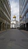 De weg aan de tempel. Stock Foto's