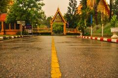 De weg aan de tempel Royalty-vrije Stock Foto's