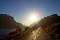 De weg aan de zon Royalty-vrije Stock Afbeeldingen