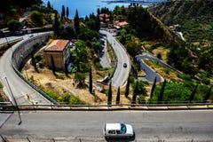 De weg aan Taormina, Sicilië, Italië Stock Afbeeldingen