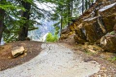 De weg beëindigt hier - Naran-Vallei, Pakistan Royalty-vrije Stock Foto's