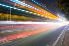 De weg bij nacht Royalty-vrije Stock Afbeeldingen