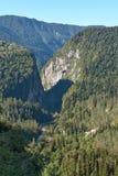De weg in de bergen Stock Afbeelding