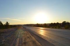 De weg in de ochtend Stock Afbeeldingen