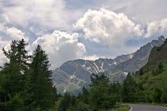De weg door de Bergen Royalty-vrije Stock Afbeelding