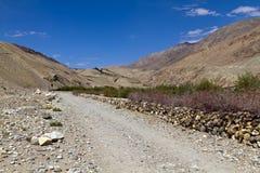 De weg in Pamirs Stock Afbeeldingen
