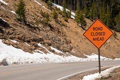 De weg sloot vooruit teken Stock Fotografie