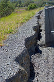 De weg stort 25 Centimeters in Noord-Canterbury na Kaikoura Ea in Stock Foto