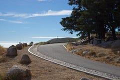 De weg tot de bovenkant van Foia - de hoogste heuvel van Monchique-bergenbergen Royalty-vrije Stock Afbeelding