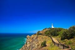 De Weg van Cliffside tot de Vuurtoren van de Baai Byron Royalty-vrije Stock Fotografie