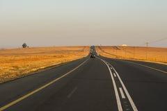 De weg van de asfaltteer in Zuid-Afrika Stock Afbeeldingen