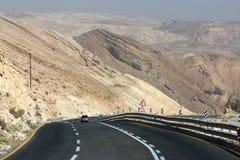 De weg van de berg in de Woestijn Negev royalty-vrije stock foto