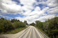 De weg van de berg in Noorwegen Royalty-vrije Stock Foto