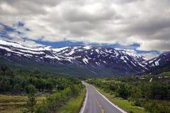 De weg van de berg in Noorwegen Stock Fotografie