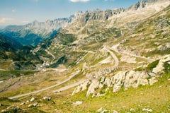 De weg van de berg, Sustenpass, Zwitserland Stock Afbeeldingen