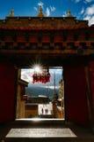 De weg van de het toerismeaandrijving van het berglandschap royalty-vrije stock foto's