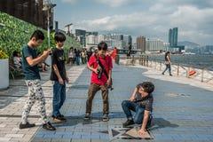 De Weg van de mensentoerist van Sterren Tsim Sha Tsui Kowloon Hong Kong Stock Afbeelding