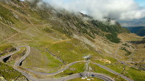 De weg van de Transfagarasanberg, Timelapse de Roemeense Karpaten stock videobeelden