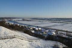 De weg van de winter met sneeuw Stock Afbeelding