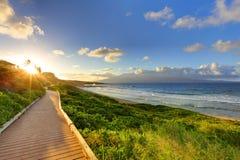 De Weg van het Strand van Oneloa bij zonsondergang, Maui Hawaï Stock Afbeelding