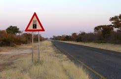 De weg van het tekengrint - waarschuw het eind van een goede weg royalty-vrije stock afbeeldingen