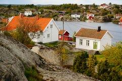 De weg van Noorwegen, vilage door fjord Kragero, Portor Royalty-vrije Stock Foto